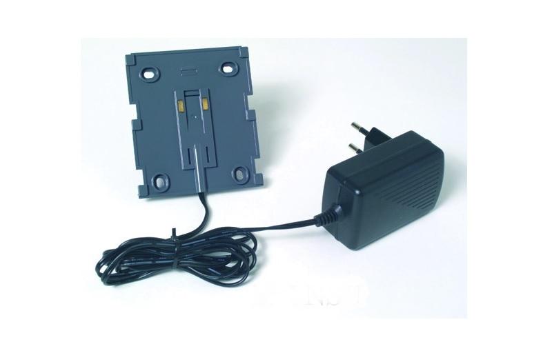DEVIlink NSU — панель крепления для установки на стену с внешним блоком питания на проводе (внешний с вилкой).