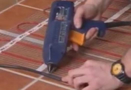 Укладка нагревательного мата